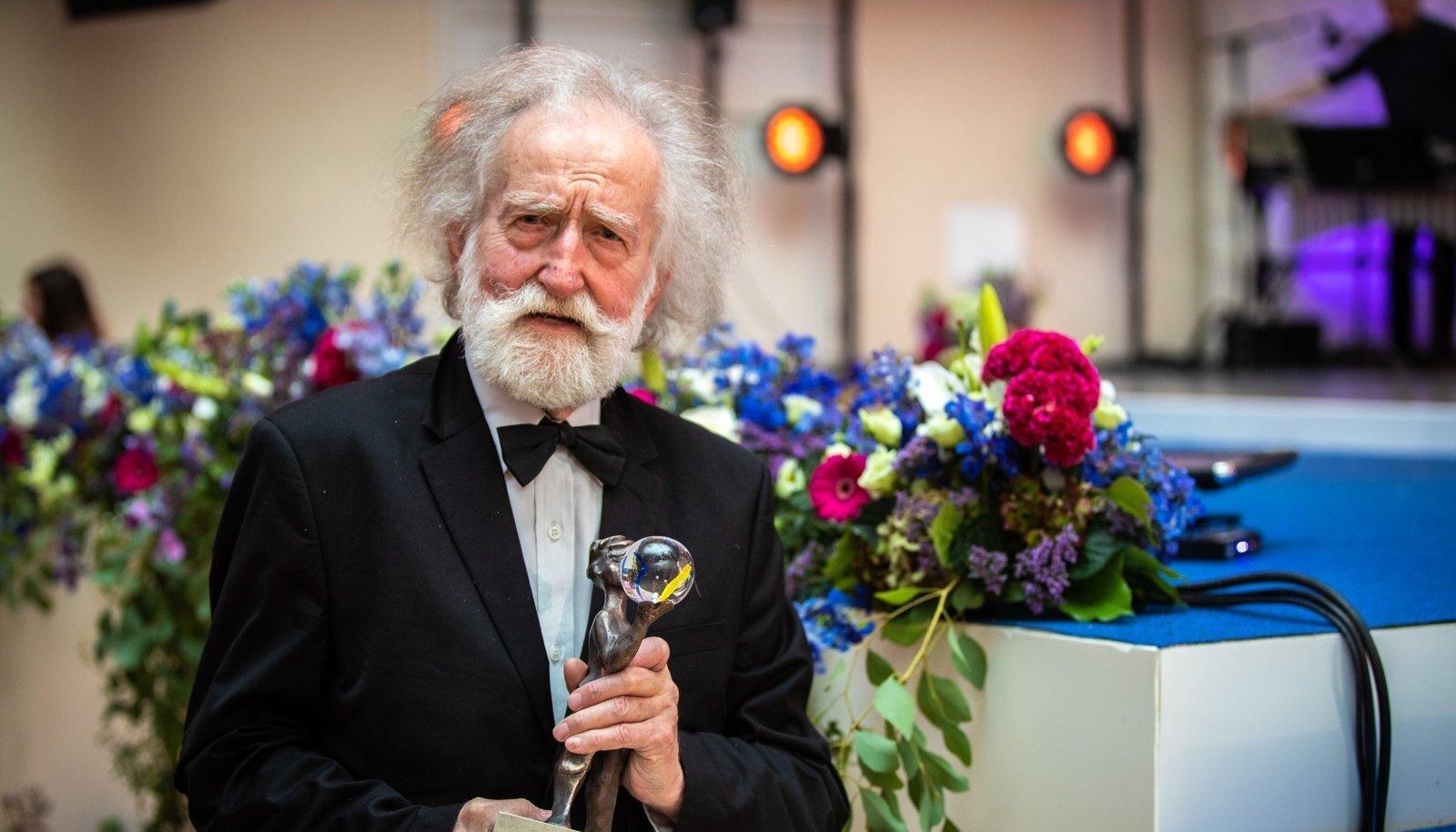 Elutööpreemia laureaat filosoof ja õpetaja Ülo Vooglaid