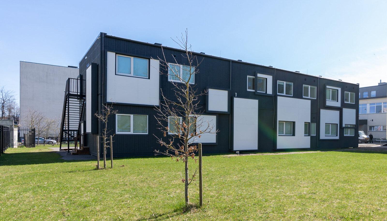Ramirendi moodulitest ajutine koolimaja Tallinnas.