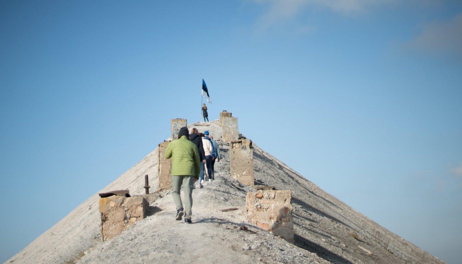 Teekond päris tuhamäe tippu on nüüdsest turismiatraktsioonina huvilistele kättesaadav.