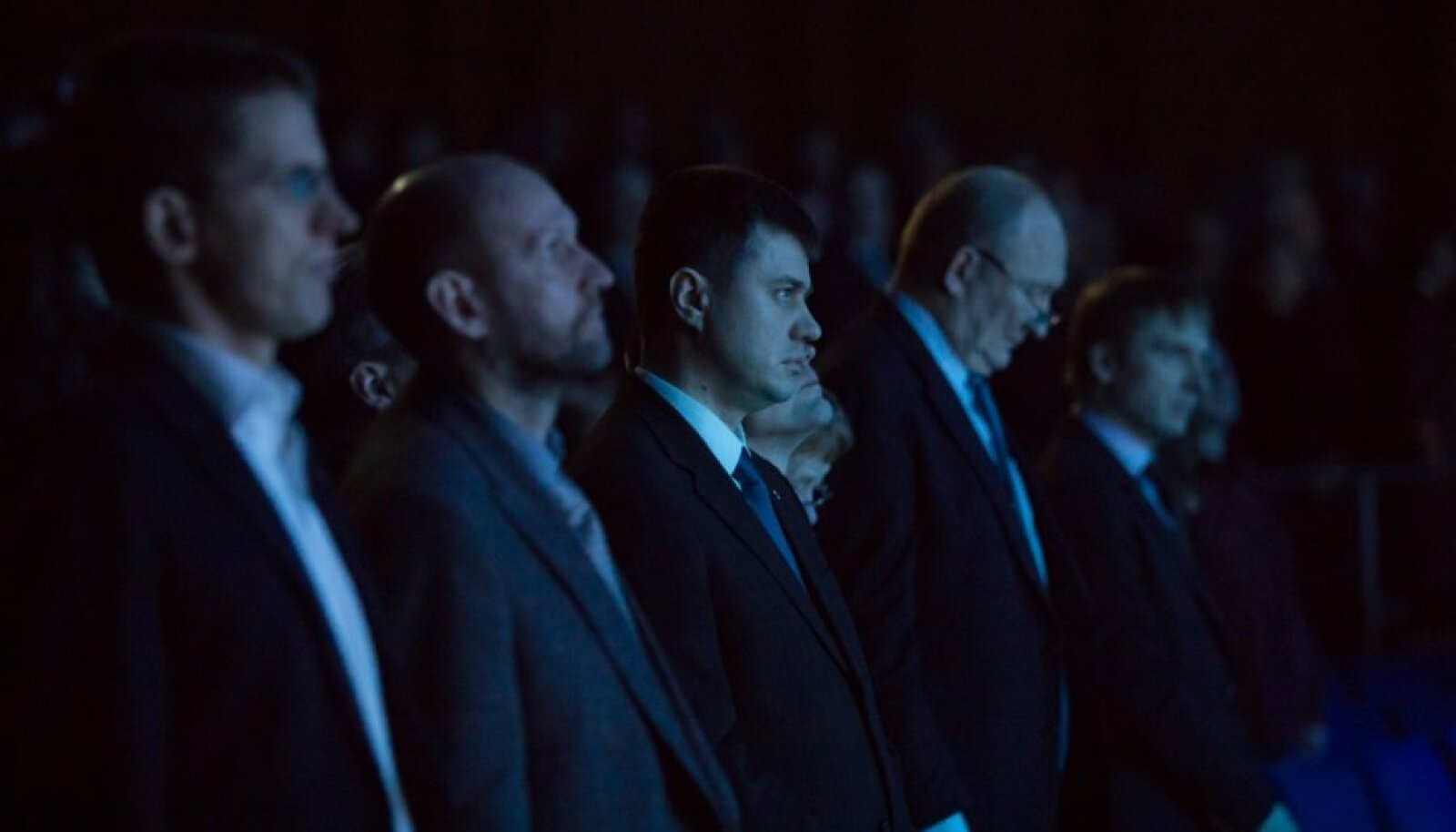 Veebruaris toimus IRLi suurkogu, kus Reinsalu (keskel) oli veel ainus erakonna esimehekandidaat.