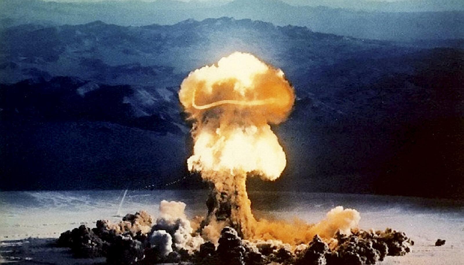 Priscilla nimelise tuumapommi katsetus Nevada kõrbes 1957. aastal