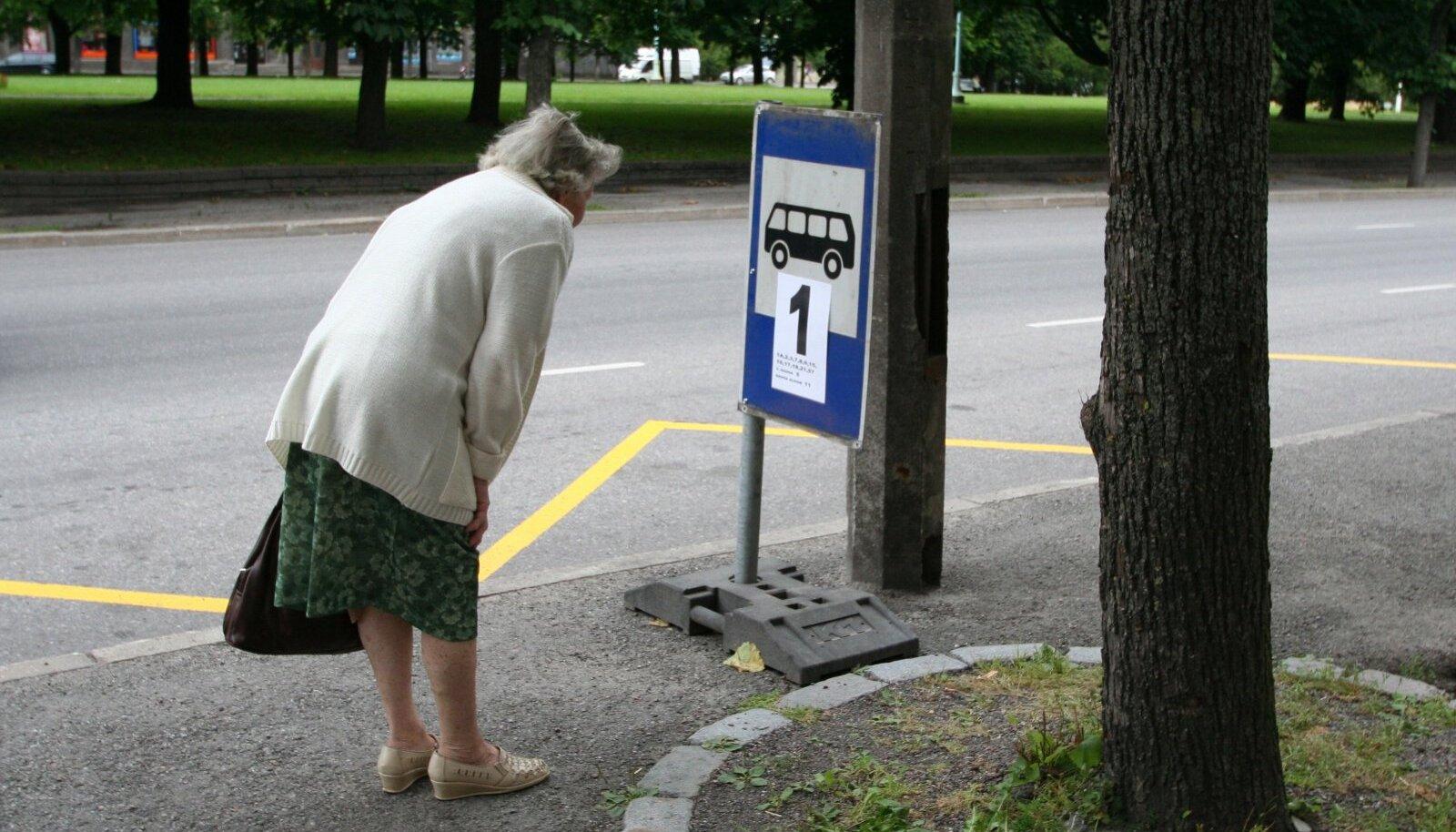 Kui Tallinnas juba alustati iseliikuva bussi lõimimist ühistranspordigraafikusse, siis võiks see peagi jõuda ka maapiirkondadesse.