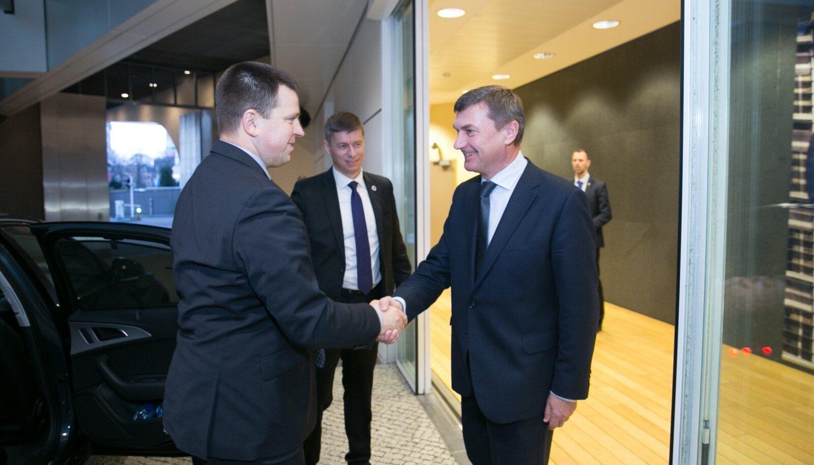 Jüri Ratas kohtus Donald Tuski, Jean-Claude Junckeri ja Andrus Ansipiga