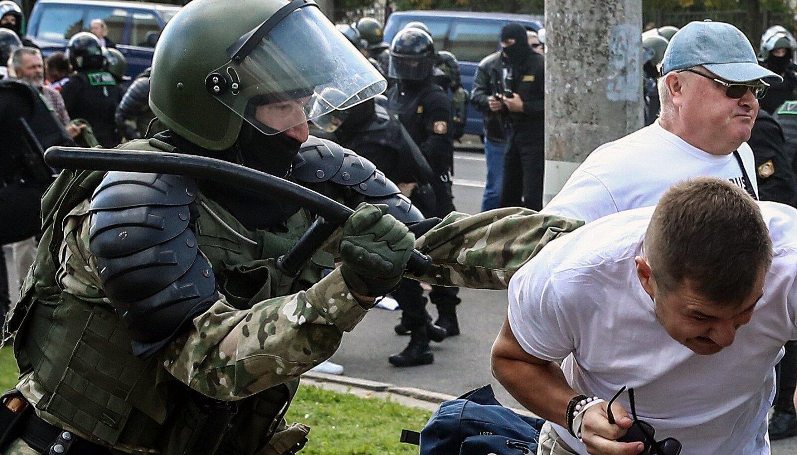 Meeleavaldustel presidenti kritiseerinud rahva vastu kasutati jõudu.