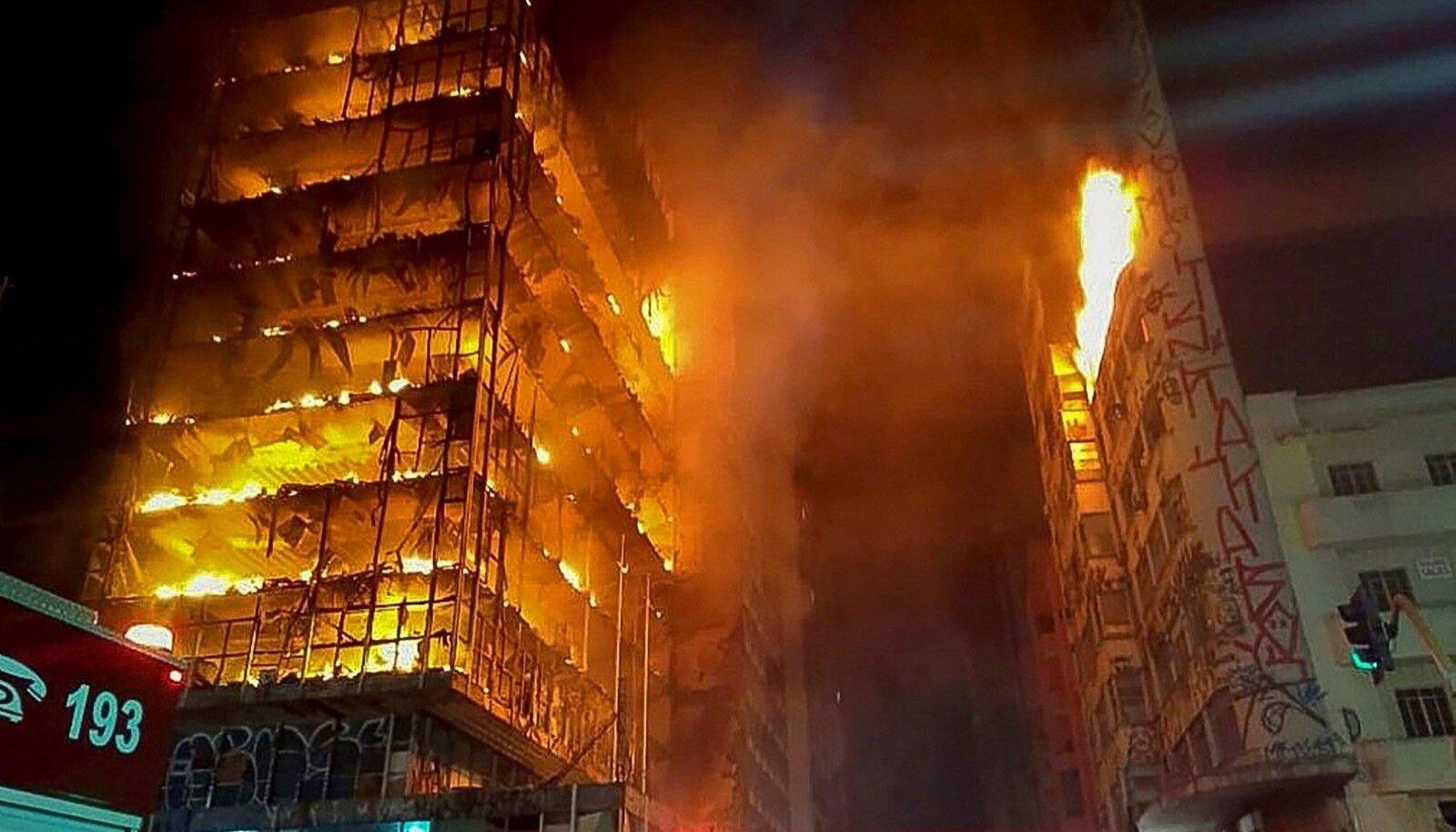 KOLM MINUTIT HÄVINGUNI: Brasiilias São Paolos varises mõne minutiga rusudeks 25korruseline kõrghoone, mille kandekonstruktsioonid olid betooniga kaetud terasest. Teras hakkas painduma siis, kui kahjutuli oli kestnud poolteist tundi. Hoones olnud 250 inime
