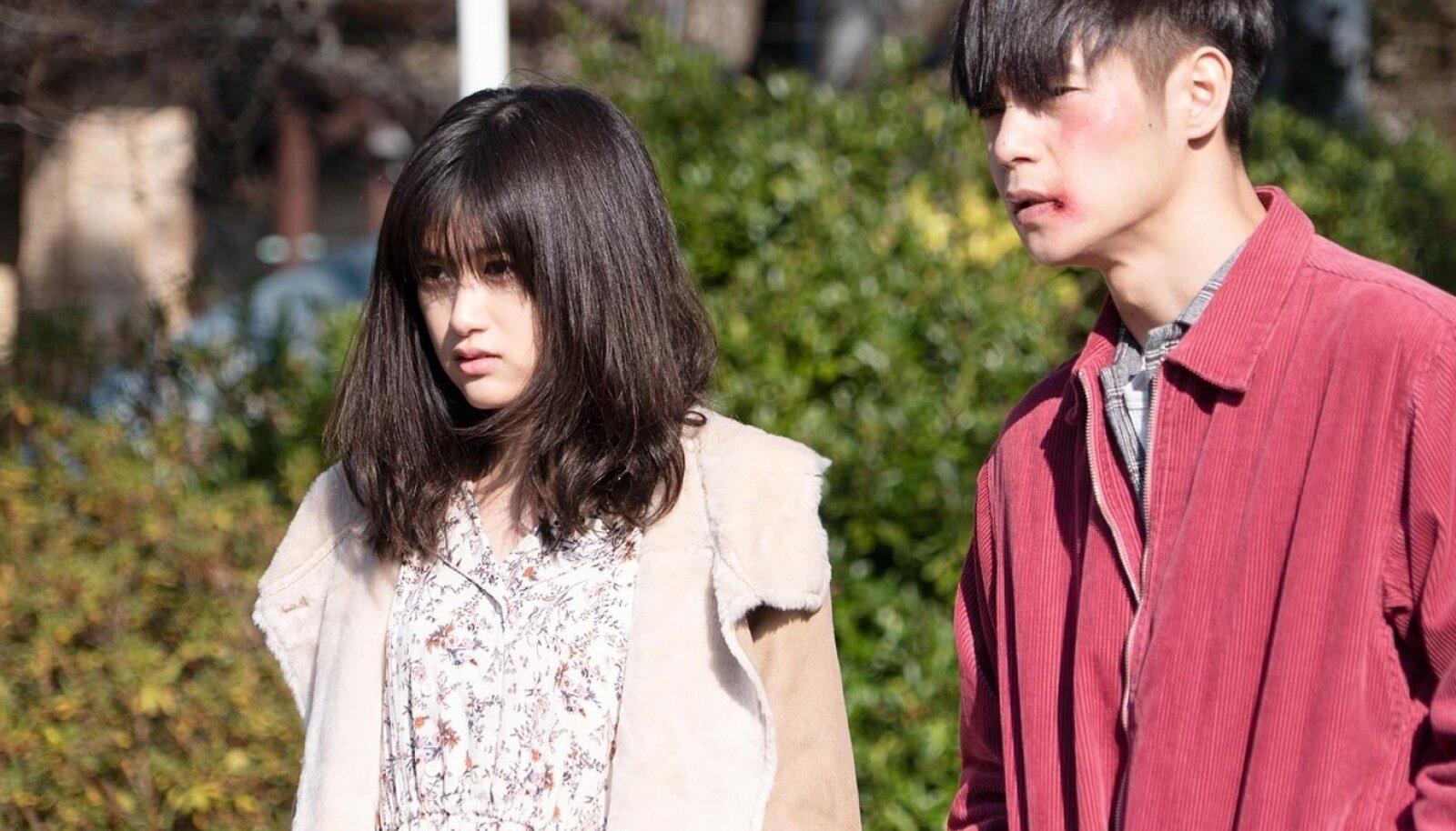 """Jaapani kultuslegend Takashi Miike tegi harjumuspärasel tasemel etteaste pöörase kriminulliga """"Esimene armastus""""."""