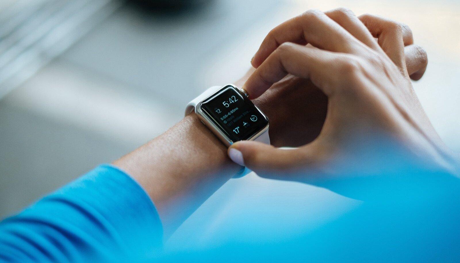 Nutikell randmel on muutumas justkui kohustuslikuks aksessuaariks, mis muu hulgas ka tervist monitoorida aitab.