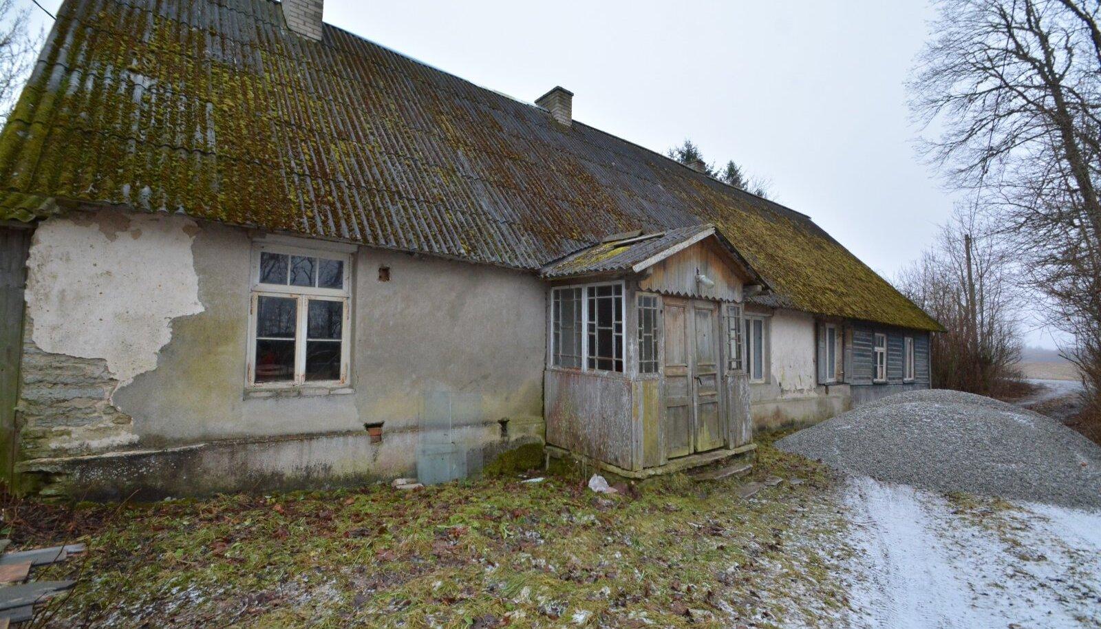 Pealtnäha kehvas seisukorras maja müügihind võib osutuda ootamatult kõrgeks, kui asukoht on hea ning maja juures ka maad või metsatukk.