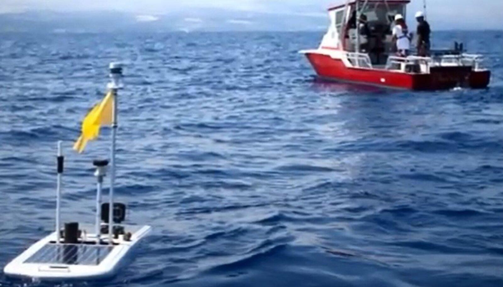 Üle ookeani sõitnud lainelauarobot