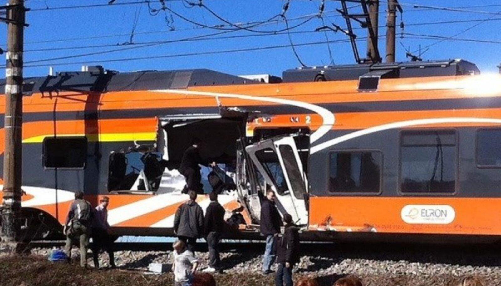 Traagiline õnnetus Raasiku raudteeülesõidul