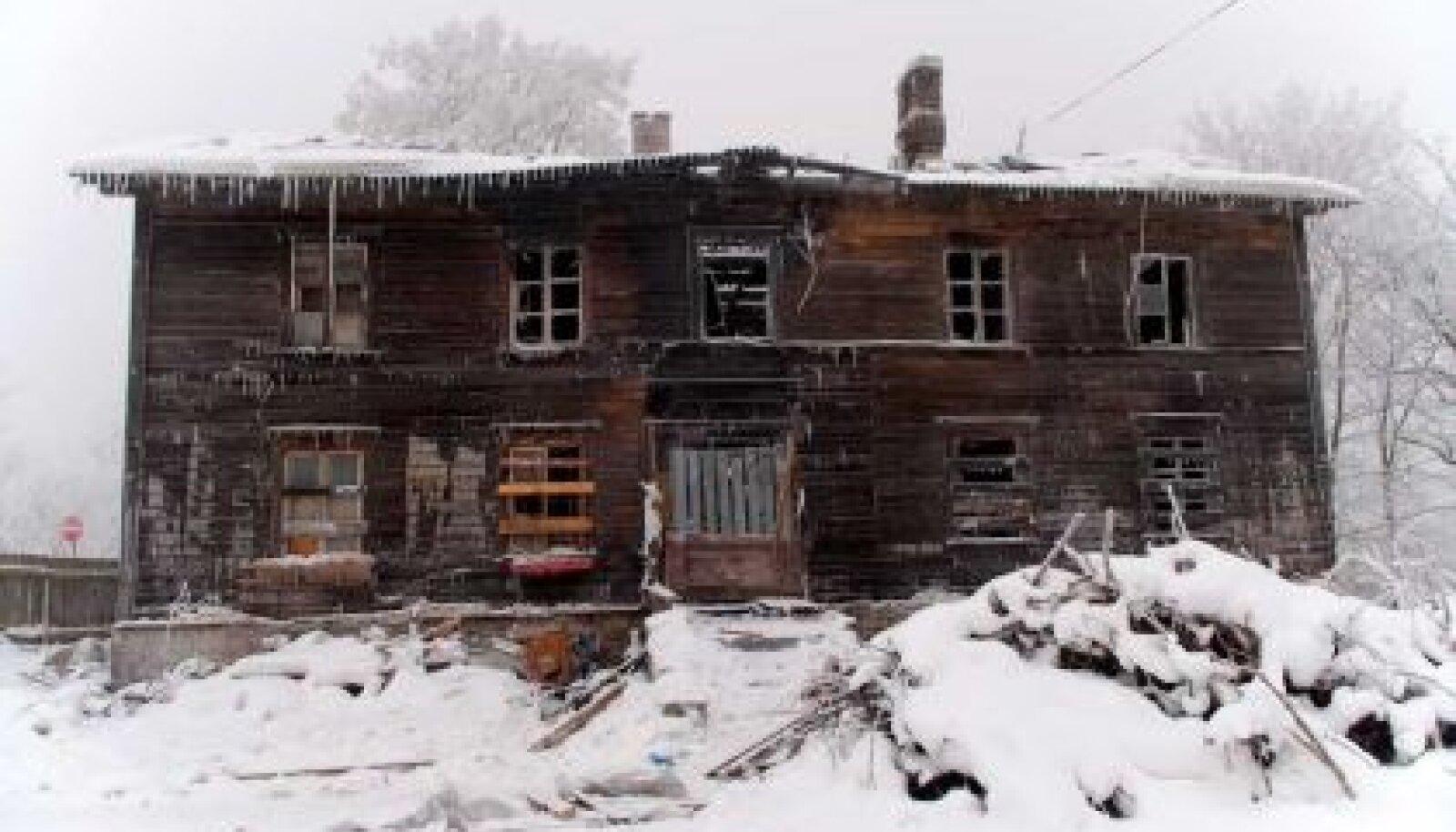 SURMAMAJAD: Põleng Vana-Kalamaja 48 nõudis aasta esimesel nädalal neli inimelu. (Vallo Kruuser)