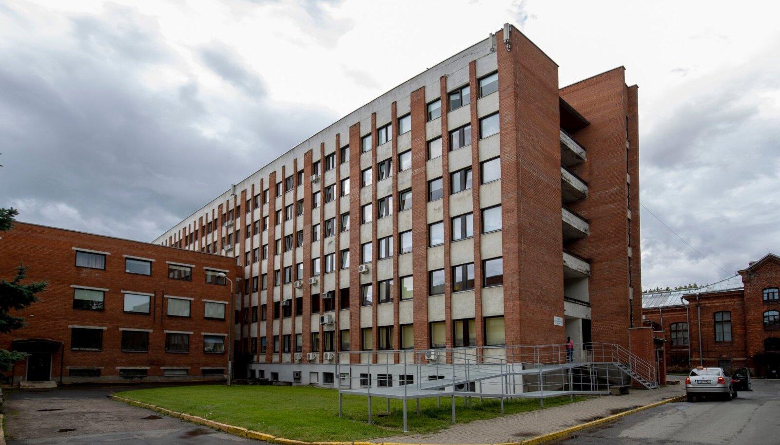 Narva haigla vajab juba abipersonali. Viiruse levikut saavad kõik inimesed vastutustundlikult tegutsedes piirata.