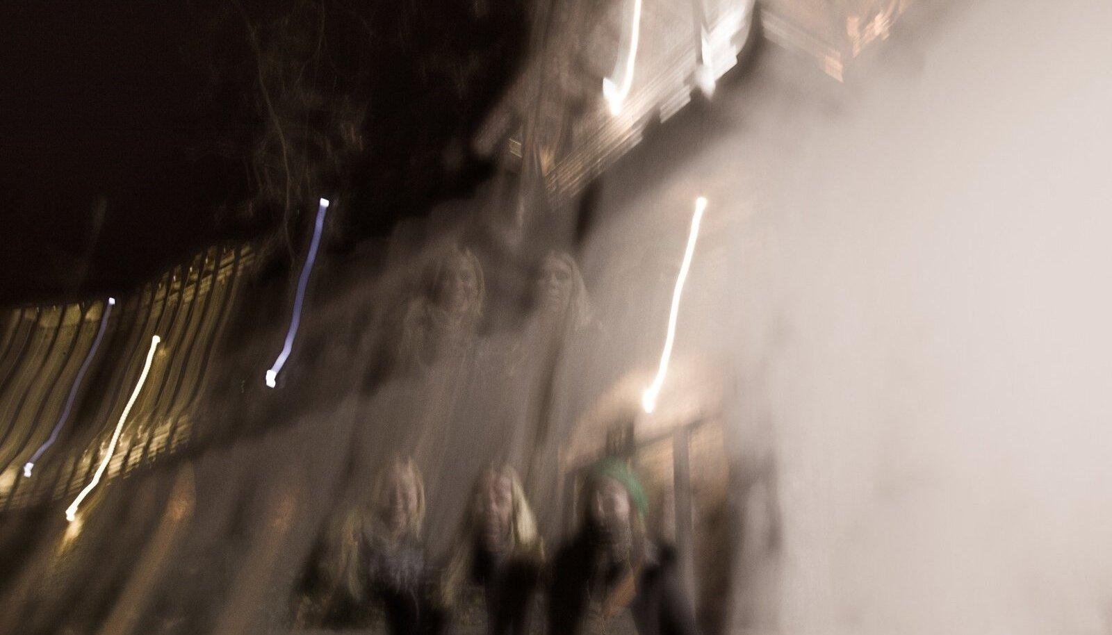 Priit Loog uuest ennustusvahendist: kui õue peal on näha surnu jalajälgi, võib oodata männikäbide kuivamist