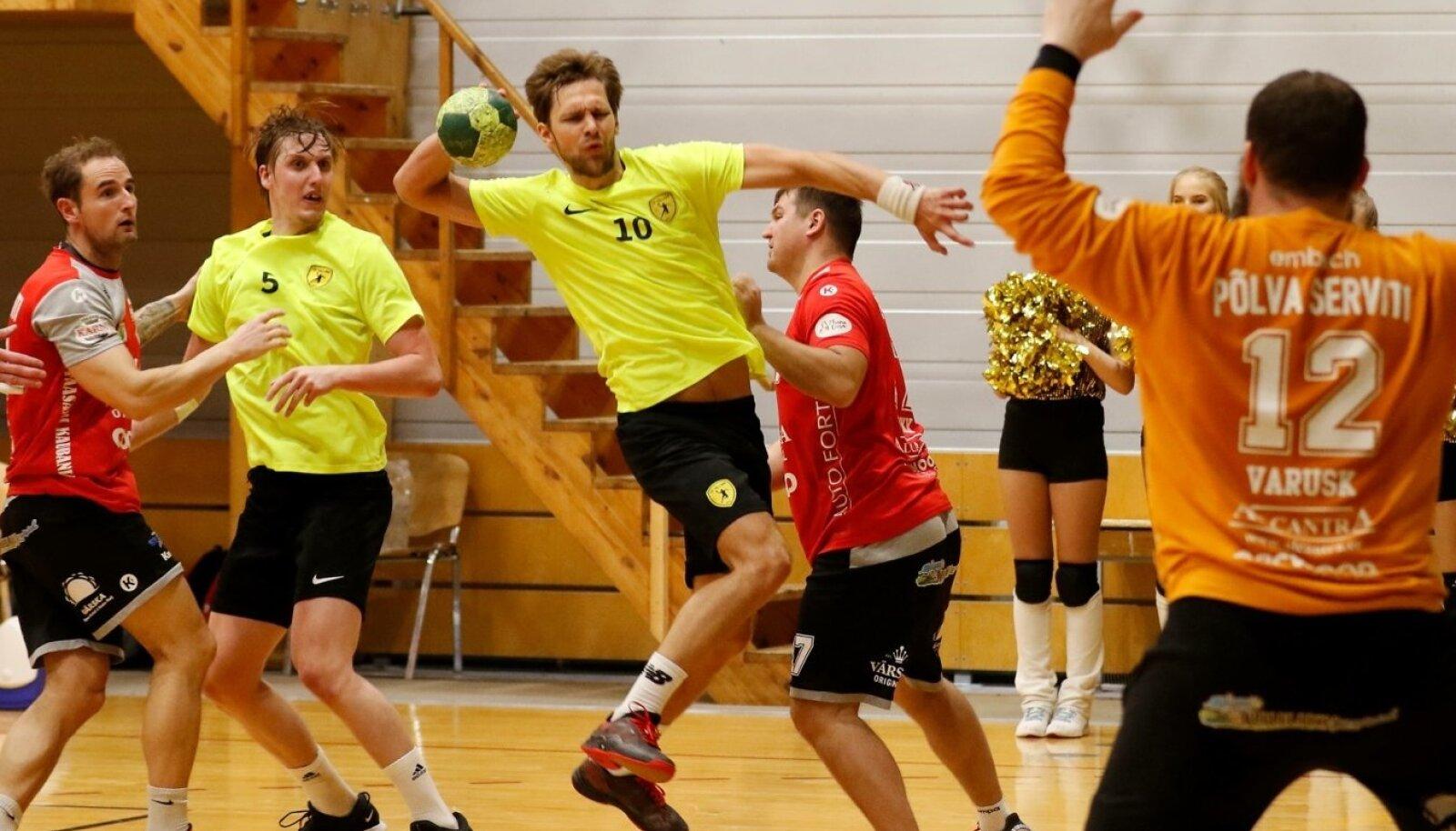 HC Tallinna mängujuht Uku-Tanel Laast viskas Põlva Serviti võrku kaheksa palli