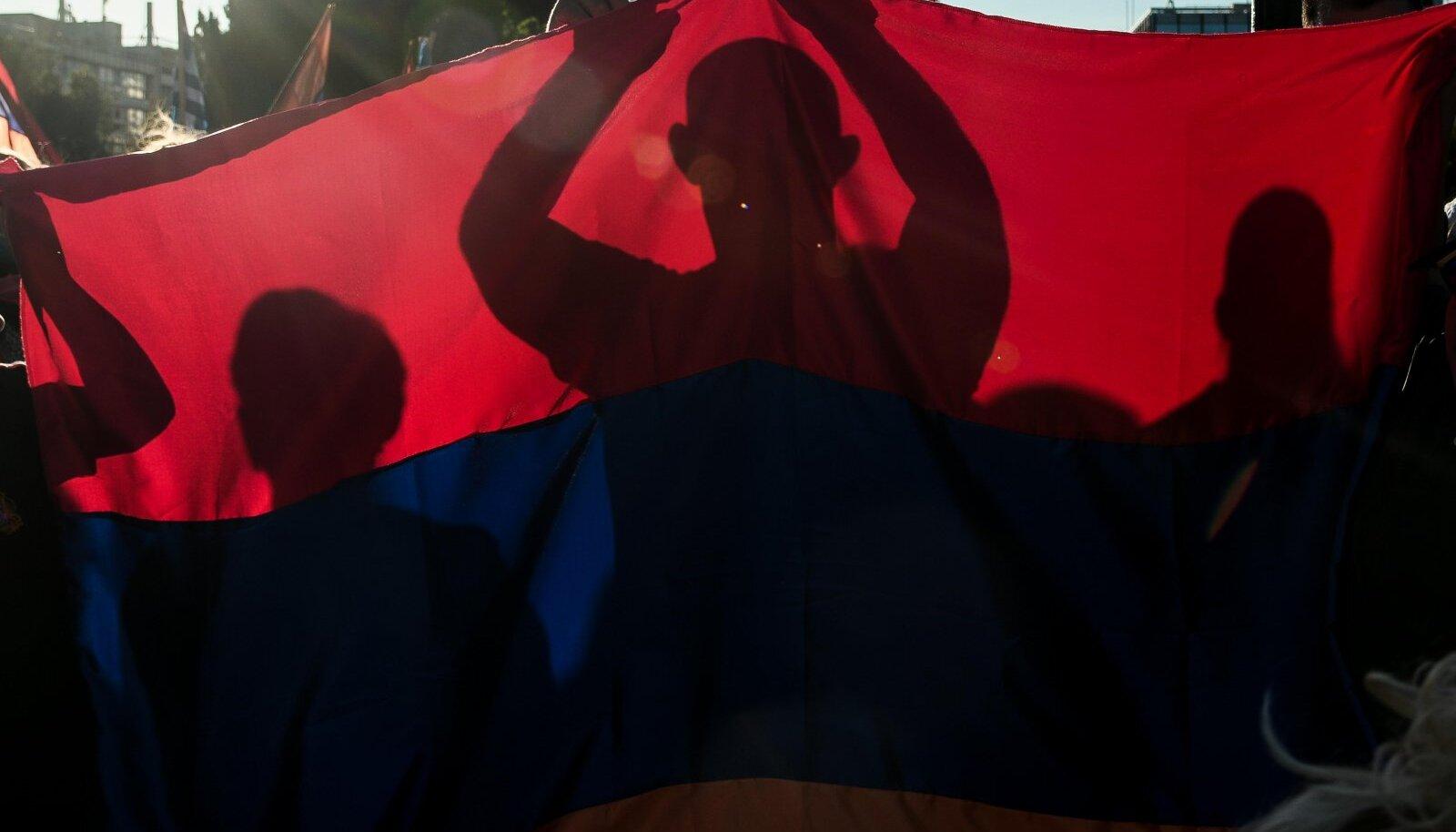 Протесты живущих в Афинах армян против действий Азербайджана