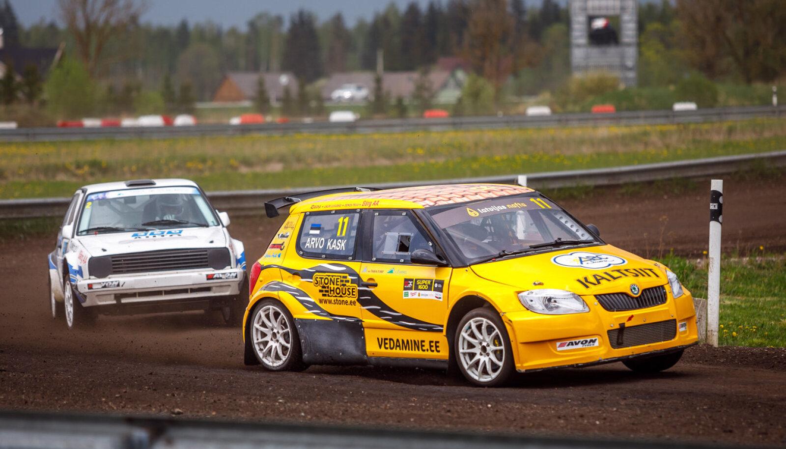 Supercari Eesti meister Arvo Kask stardib esimesel etapil Super1600 klassi autol.