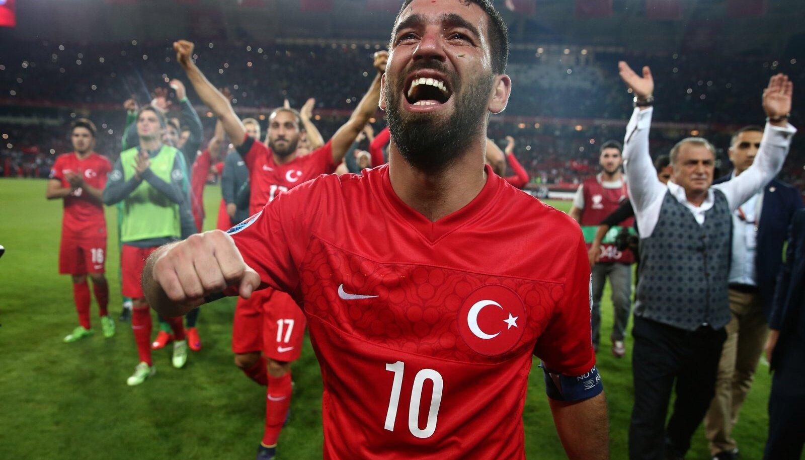 Türgi kapten Arda Turan pärast EM-pileti kindlustamist