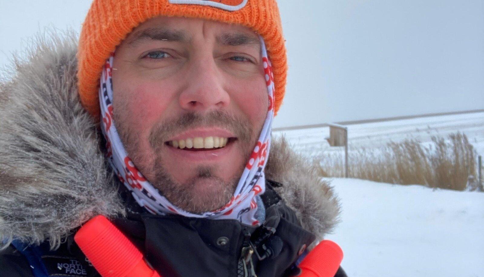 Sel kevadel seikleb Roald Johannson mööda Eestimaad ja tutvustab vaatajatele muu hulgas ka matkapalaviku temaatikat, mis on just koroonast ajendatult päevakorda tõusnud.