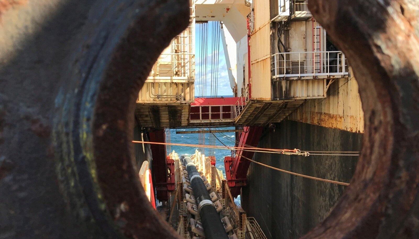 Šveitsi ettevõtte Allseas torupaigalduslaeval peaks nüüd kiire töö asemel valitsema vaikus. USA on oma sanktsioonidega võtnud sihikule just selle firma.
