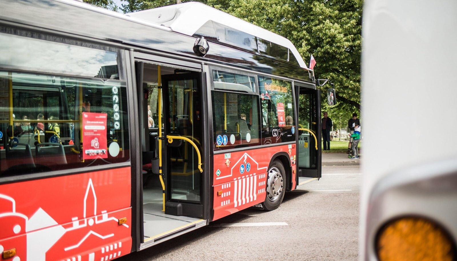 Tartu uued bussid võiksid numbreid öelda, kui lubataks.