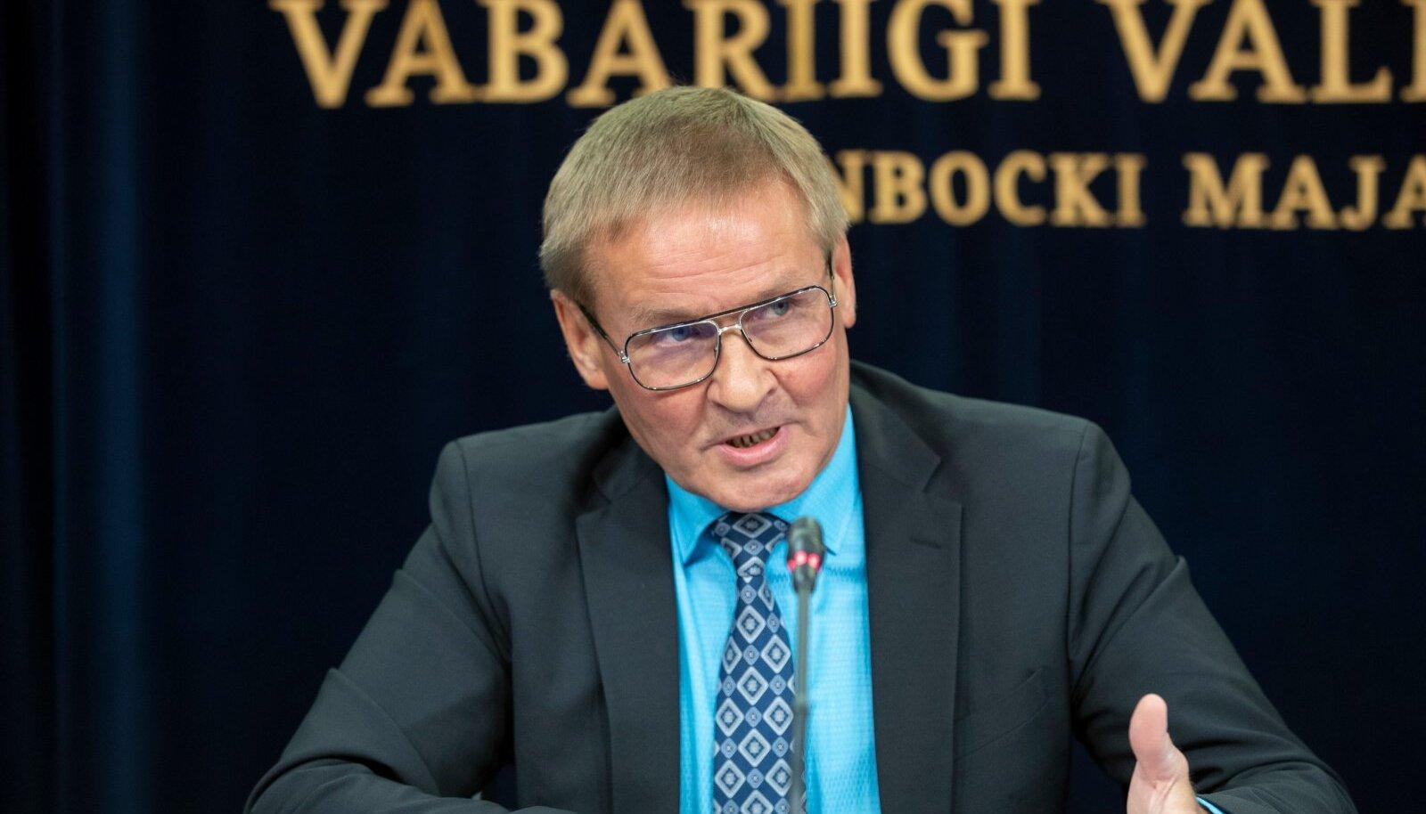 Valitsuse pressikonverents, Jaak Aab