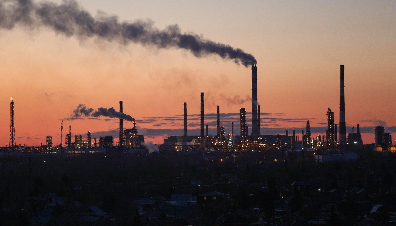 Süsiniku avalikustamise projekti raporti kohaselt tekitavad sada suurimat fossiilsete kütuste ettevõtet ja nende investorid 71% globaalsetest emissioonidest.