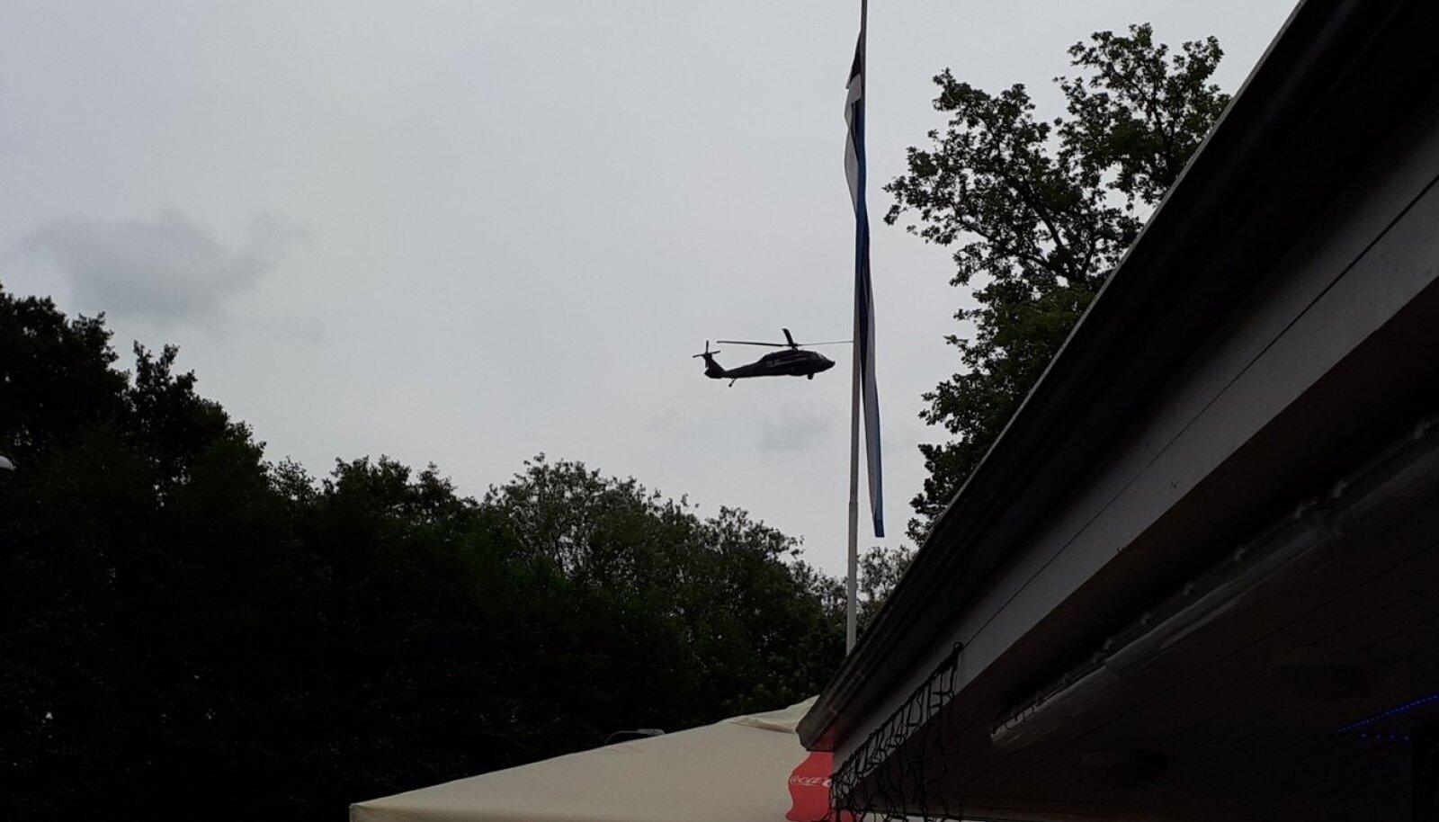 Black Hawk Kadrioru kohal