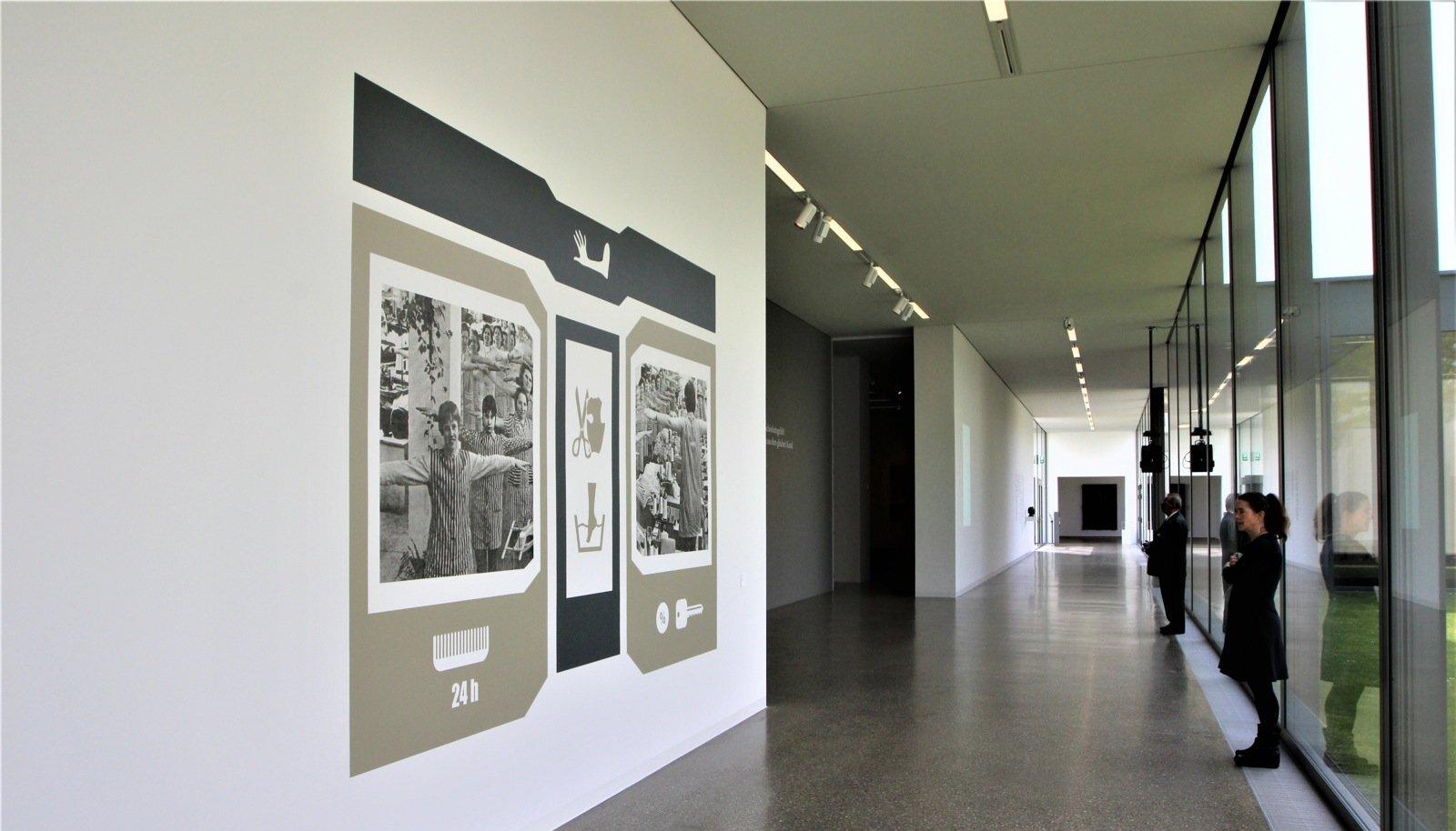 Seinal on üks kahest tööst, mille Marge Monko tegi spetsiaalselt Esseni näituse jaoks.