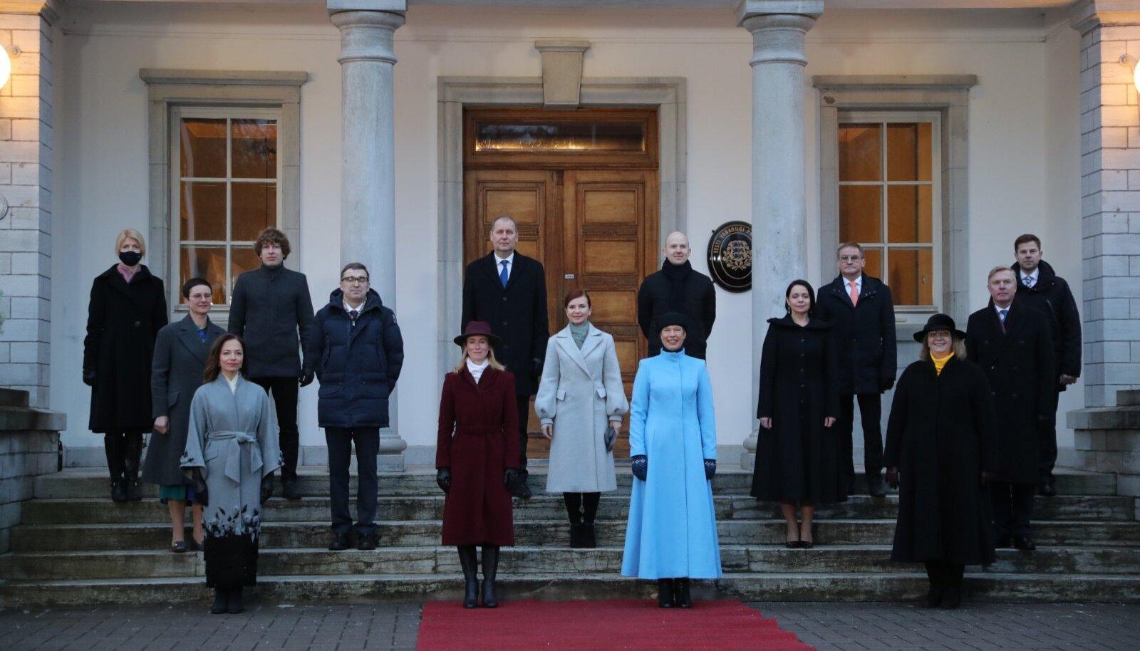 Kaja Kallase valitsus presidendi juures