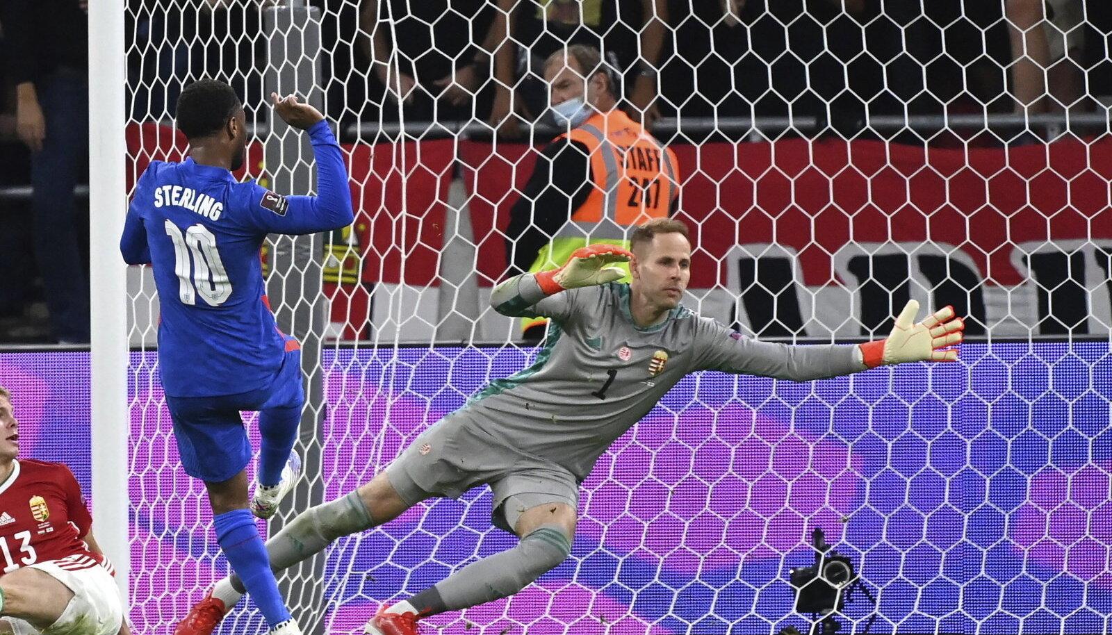 Sterling lööb Ungarile värava