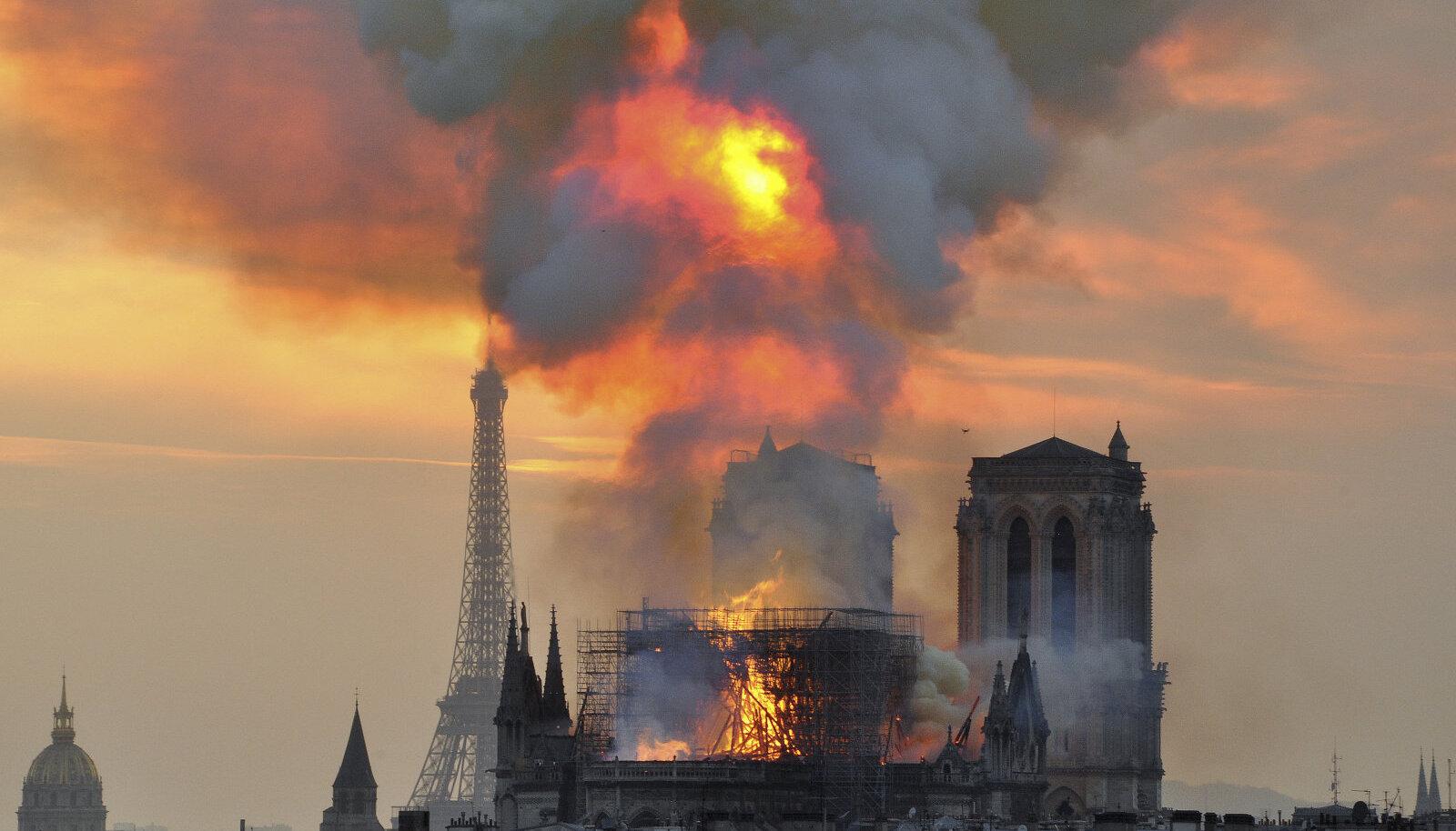 Notre-Dame'i põleng