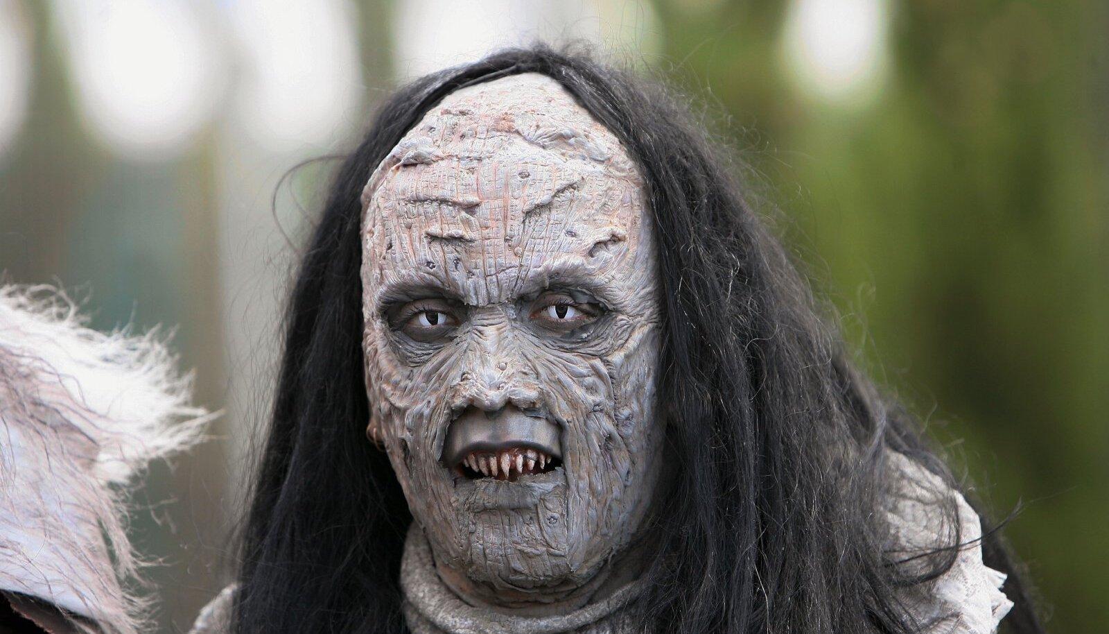 Leena Peisa Lordi kostüümis
