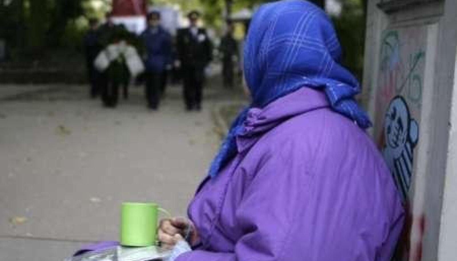 Majanduskriis on suurendanud Lätis maksevõimetute elanike hulka, kellel on raskusi oma toimetulekuga.