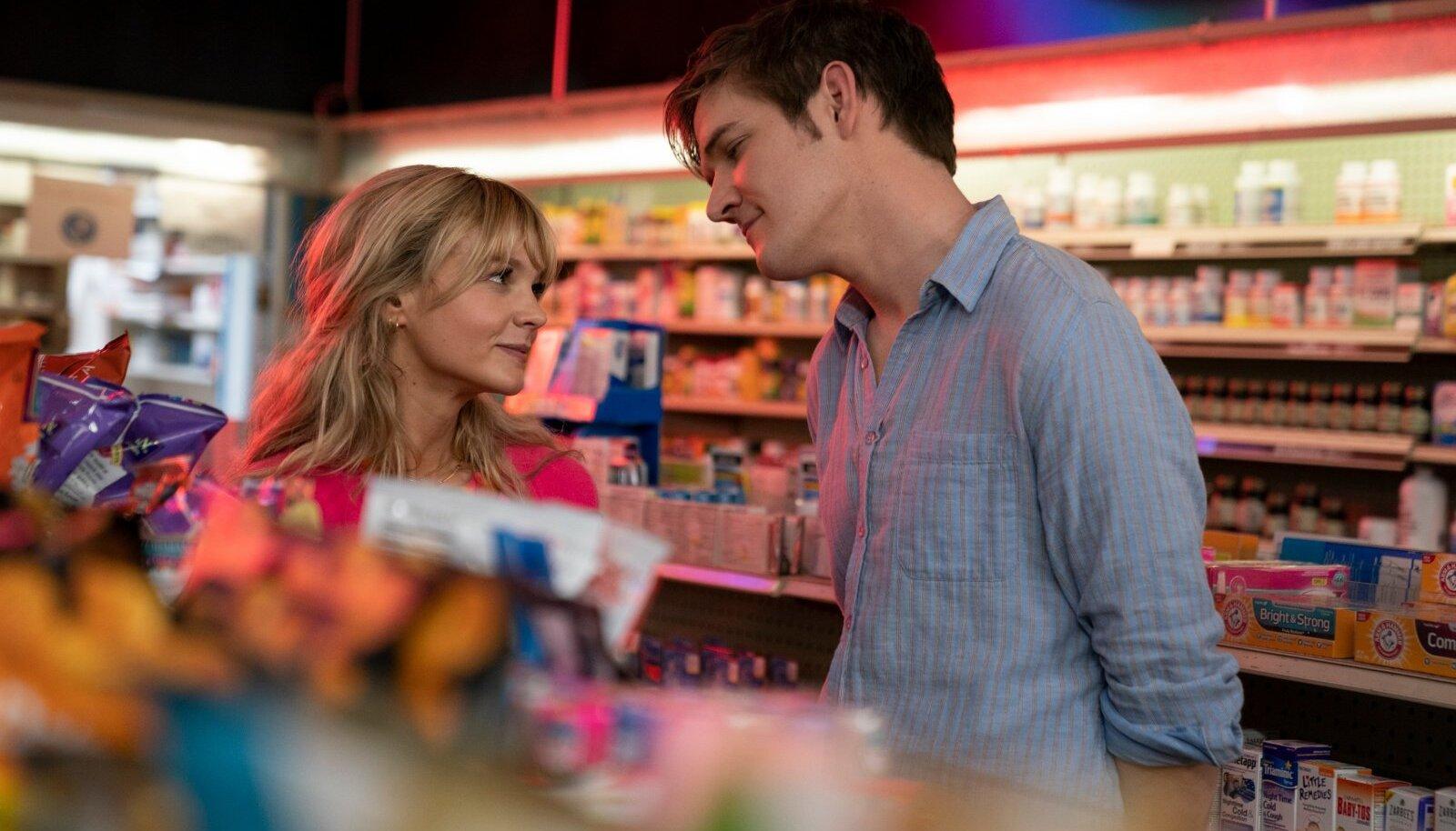 Kas ja millal andestada ja sündmusest lahti lasta? Filmis paistab tõuke andvat Cassandra (Carey Mulligan) taaskohtumine kunagise kursusevenna Ryaniga (Bo Burnham), kes käitub sootuks teistmoodi kui paljud mölakad.