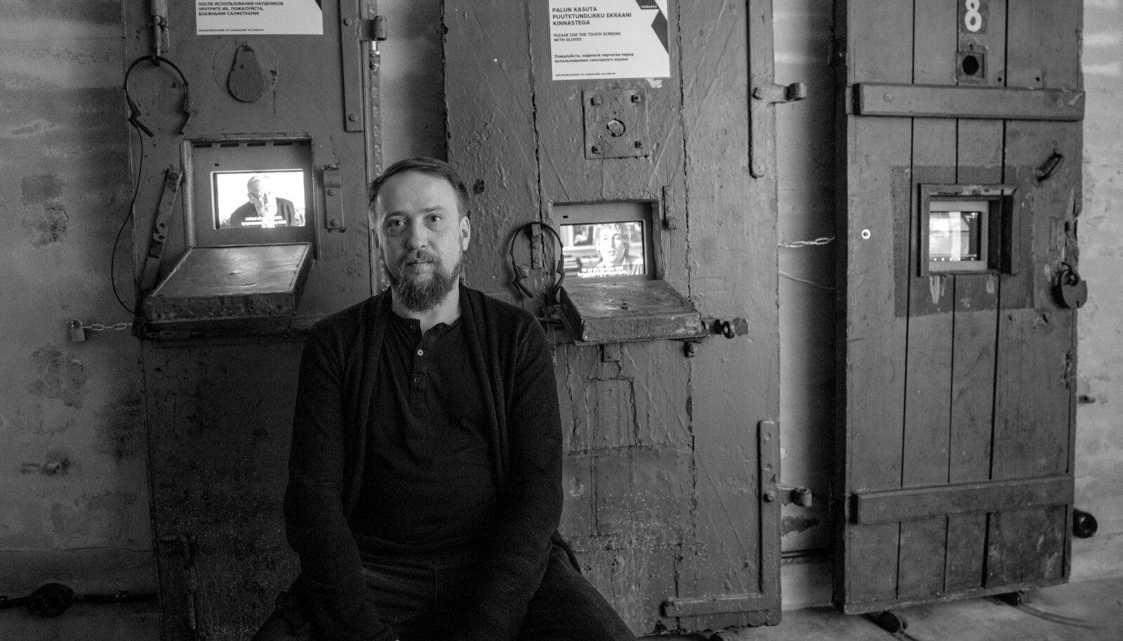 Tallinnas võttis lavastaja Dmitri Jegorov ette käigu Pagari tänava muuseumisse, et tunnetada olemist KGB keldris.