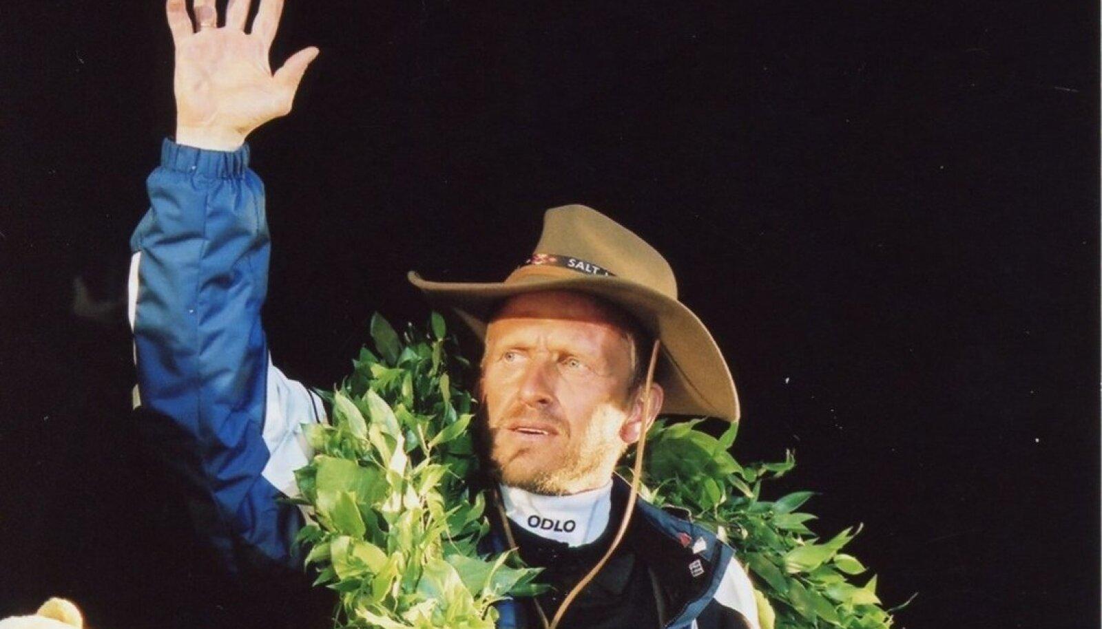 Mati Alaver pärast 2002. aasta Salt Lake City olümpiat Tallinnas Raekoja platsil