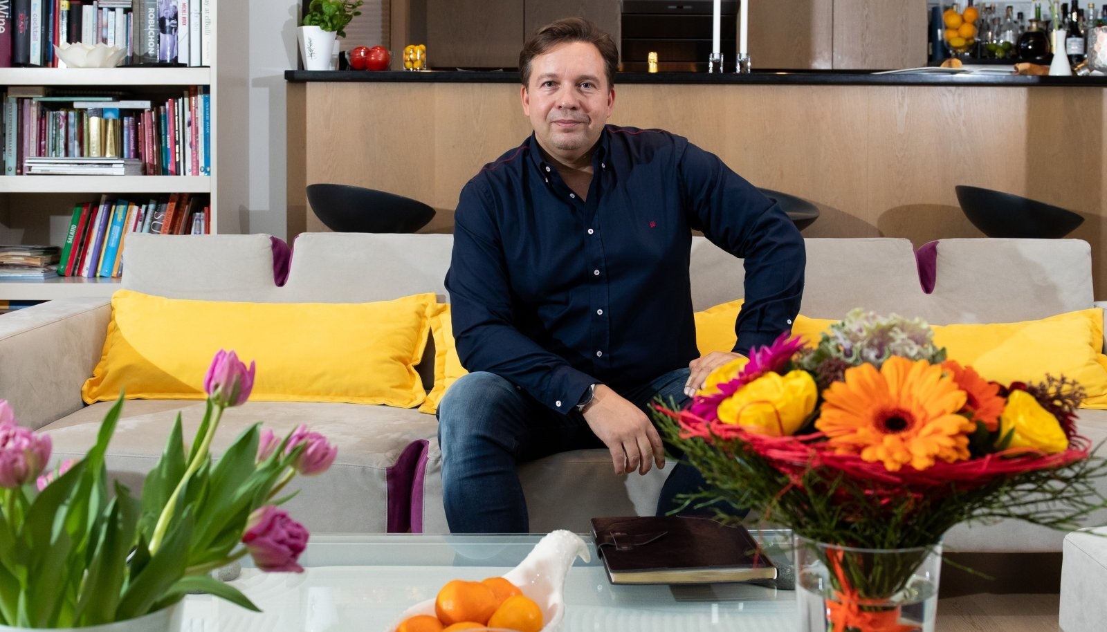 EESTI TELEMAASTIKU KUJUNDAJA Kaupo Karelson alustab innukalt oma uut, 26. teleaastat viie uue saatesarjaga, mis lähevad eetrisse kolmel Eesti telekanalil.