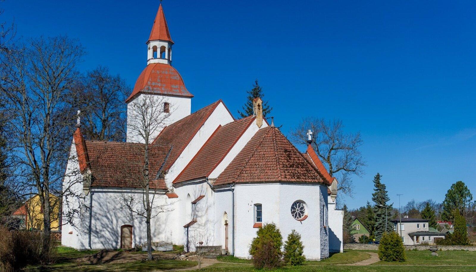 Ahrens kutsuti aastal 1837 Kuusalu Laurentsiuse koguduse õpetajaks.