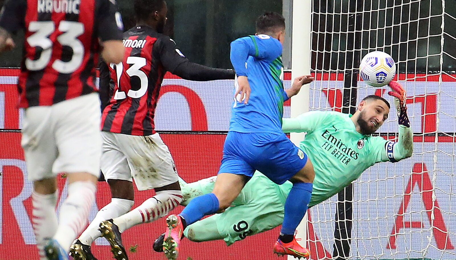 Giacomo Raspadori lööb värava