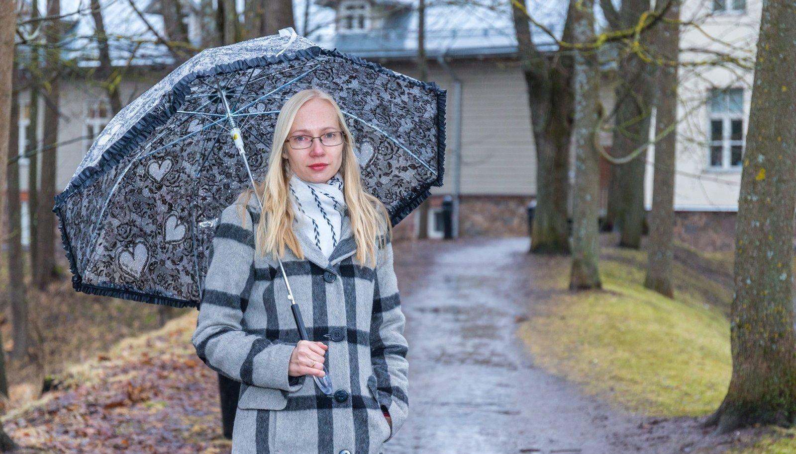 Tartu ülikooli ühiskonnateaduste instituudi lektorKadri Soo uuris möödunud kuul naiste tugikeskuste töötajate arvamusi.