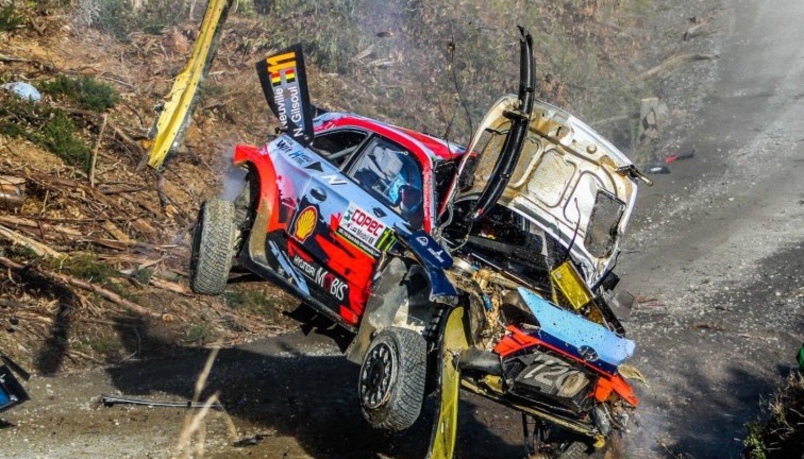 Thierry Neuville`i masin jubedas avariis