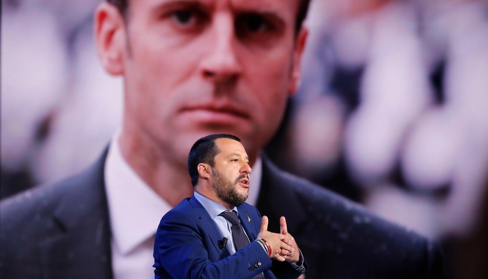 Itaalia asepeaminister Matteo Salvini (esiplaanil) nimetab Emmanuel Macroni kohutavaks riigimeheks.