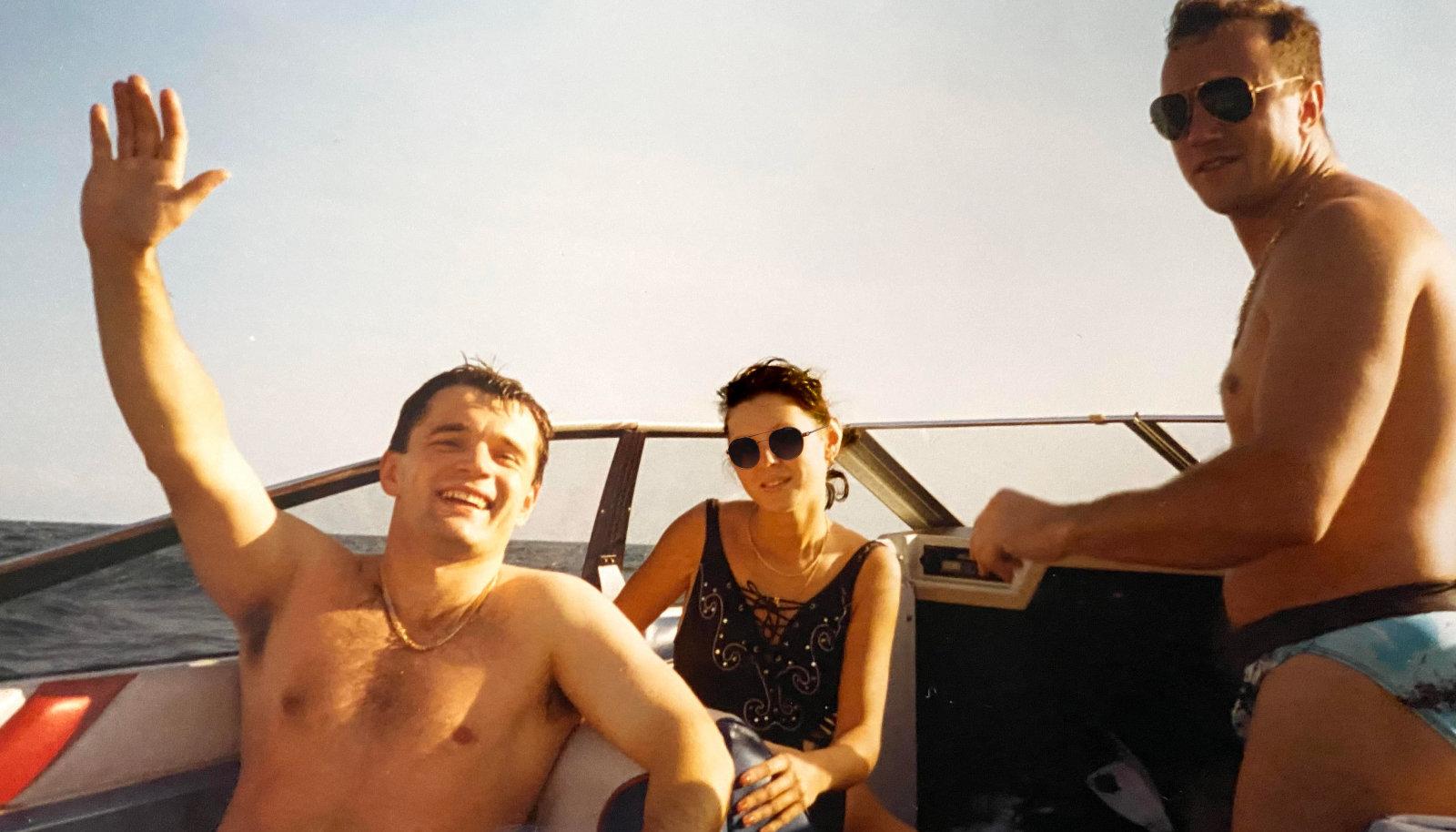 Vabas maailmas. Vasakul Toomas Helin, Paremal André Hildebrand. 1993. aastal USA-s Atlandi ookeanil.