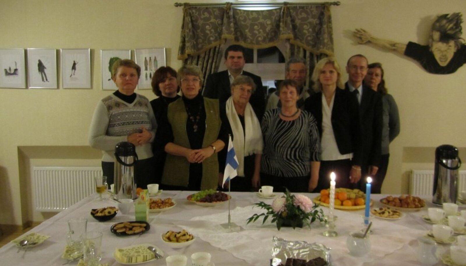 Soome Vabariigi iseseisvuspäeval Kurtna raamatukogus. Foto: Valve Kollo