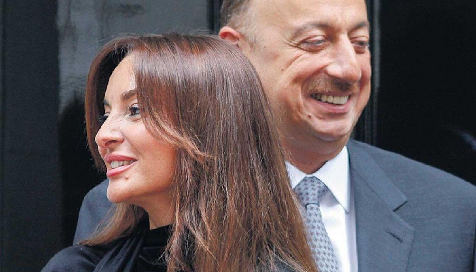 Ilham Alijev ja tema abikaasa Mehriban, kes esitati n-ö eksikombel isegi presidendikandidaadiks.