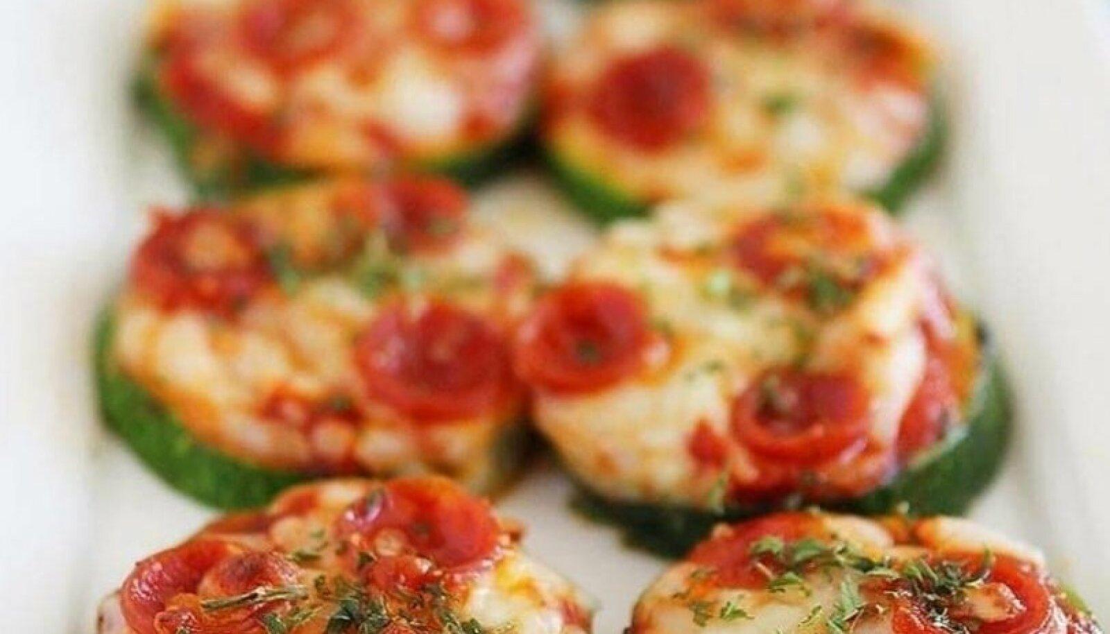 Suvikõrvitsa-pizzetta'd