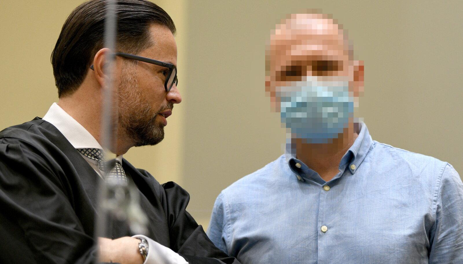 Mark Schmidt (paremal) Müncheni kohtus.