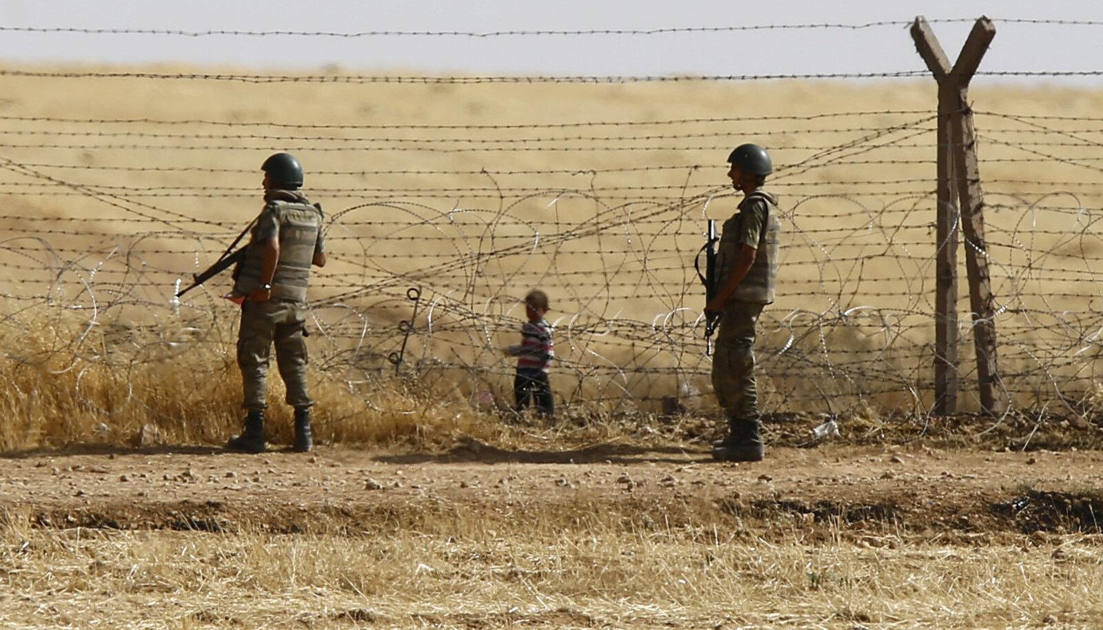 Sõdurid Türgi-Süüria piiril