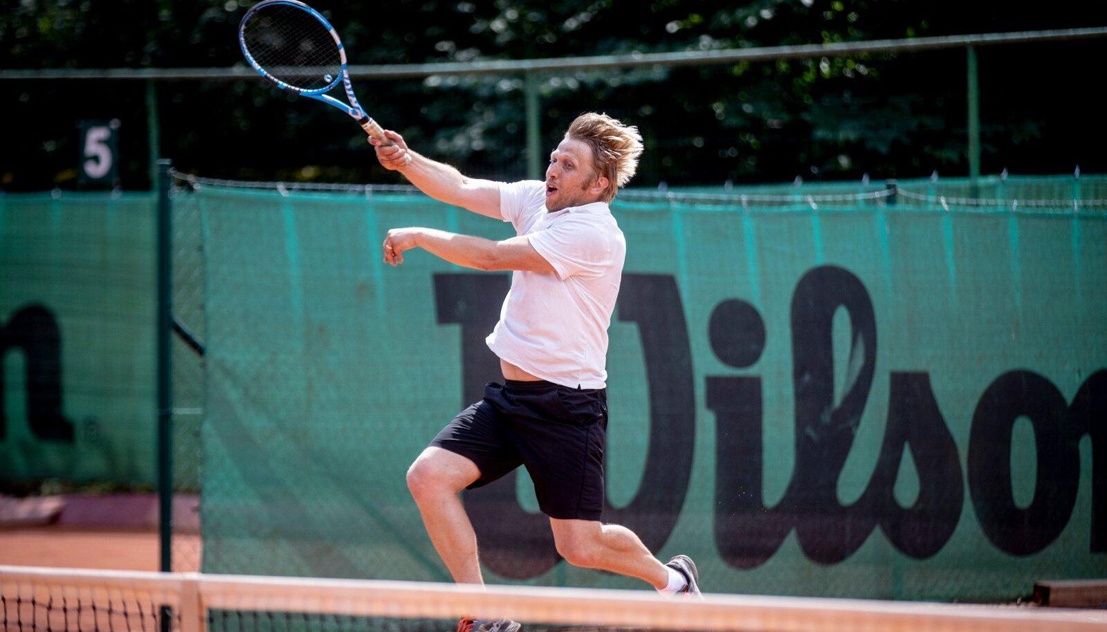 Jaanus Karilaid näitas vinget tennisevormi.