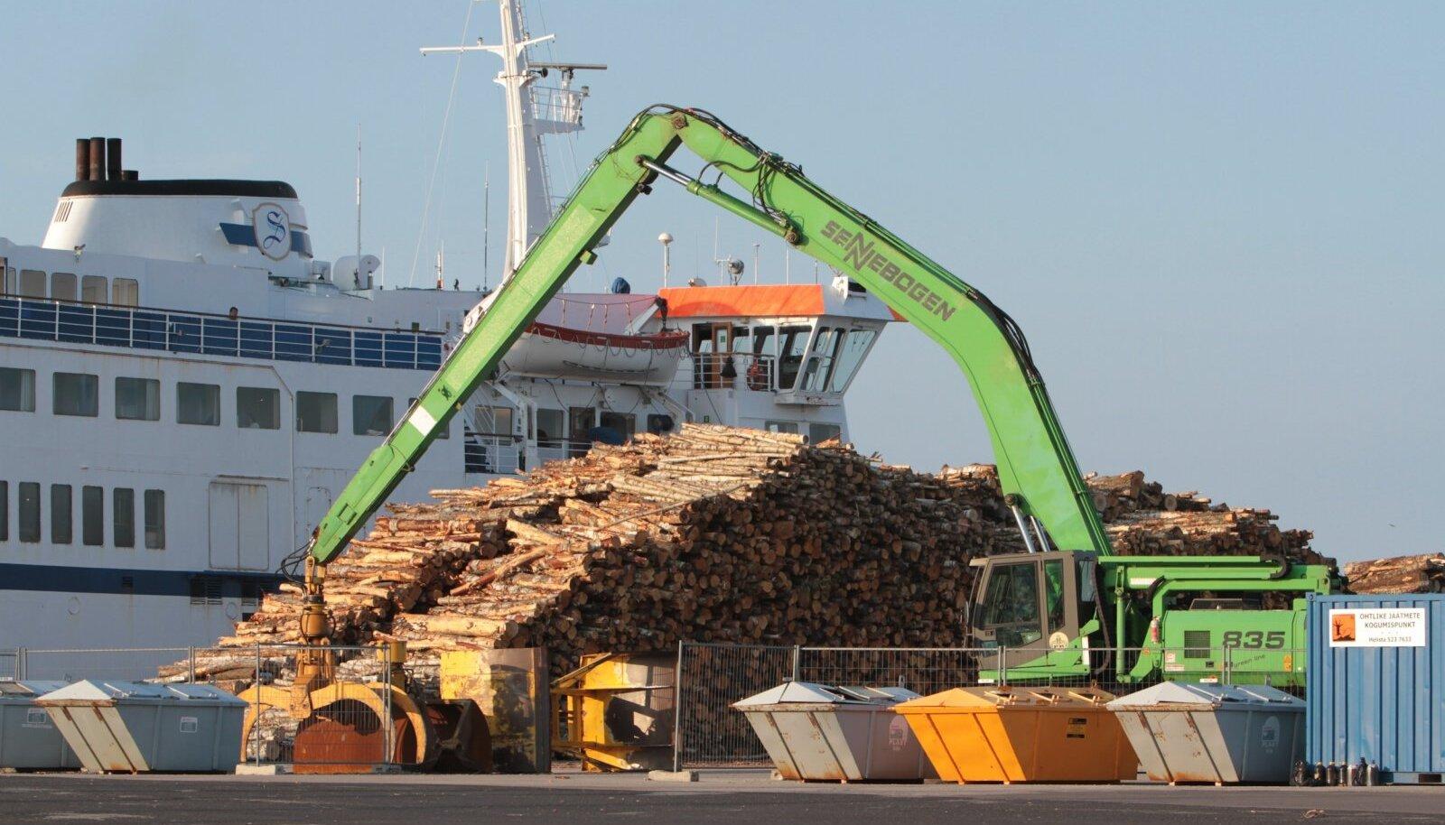 Eksporditud ümarpuidu kogusest omakorda üle 83% on paberipuit, millega Eestis midagi teha ei ole.